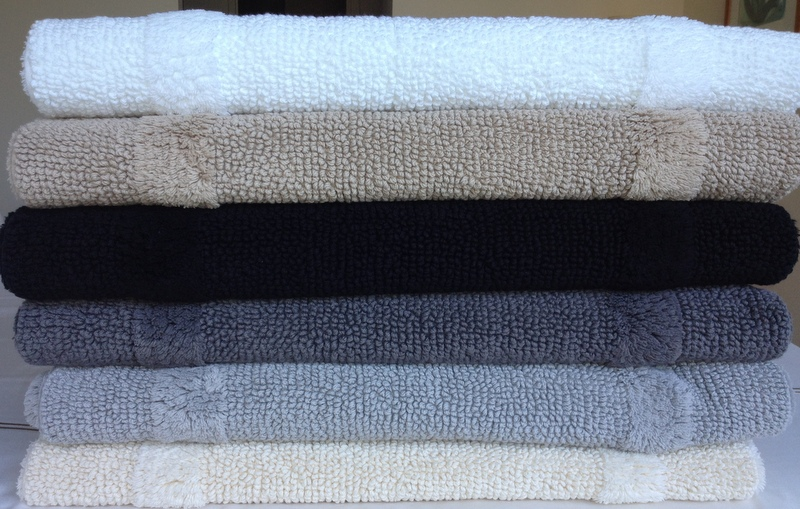 Hotel luxury collection paris hotel reversible bath rugs for Hotel collection bathroom rugs