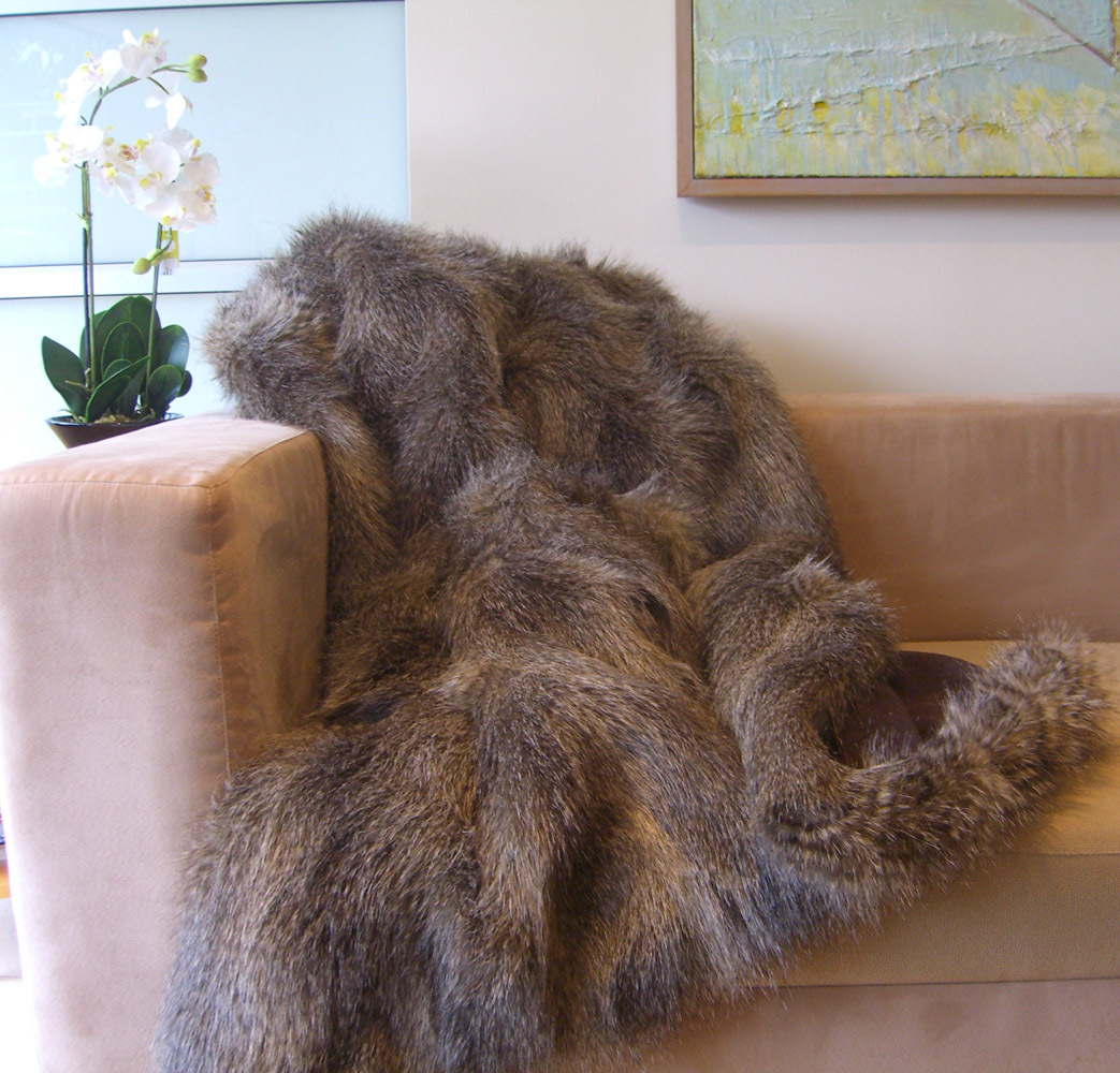 Hotel Luxury Collection Misty Wolf Faux Fur Throw