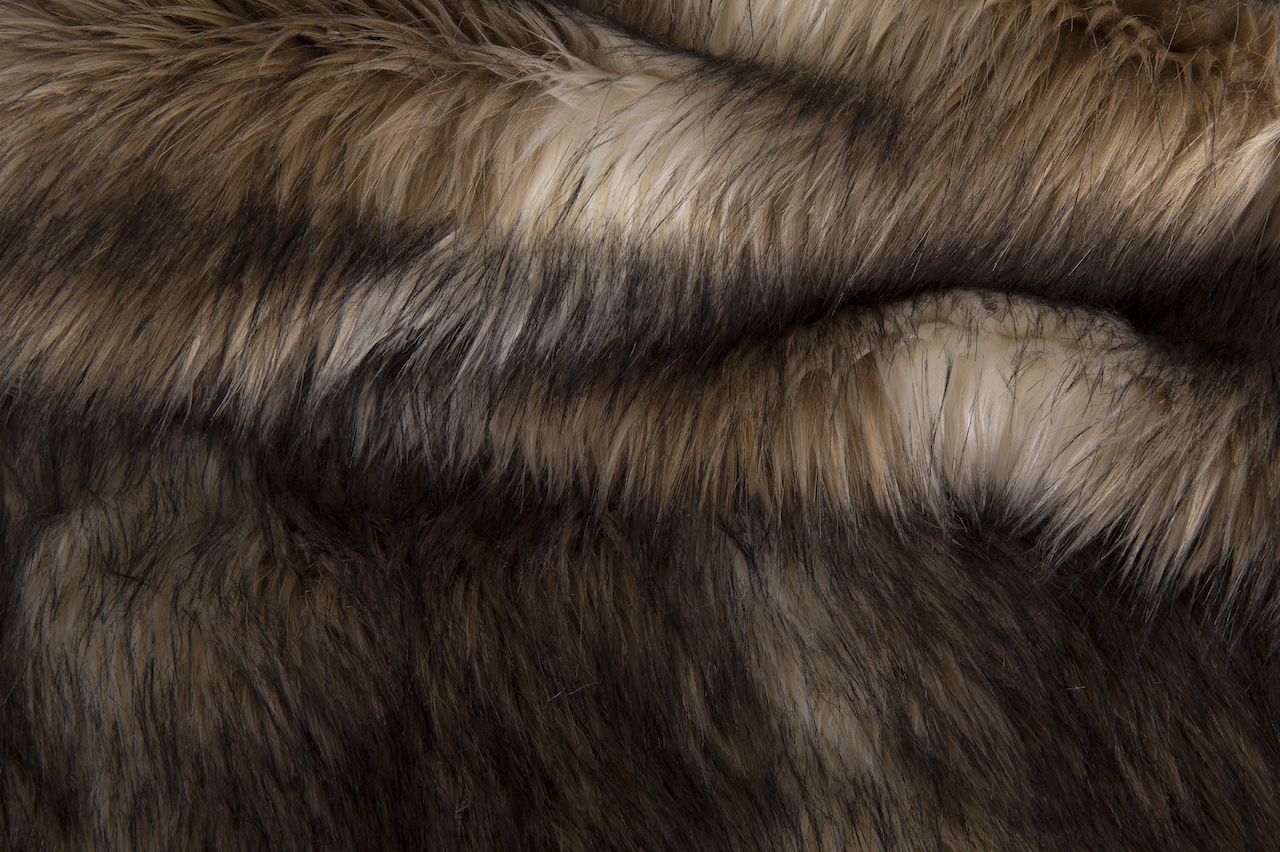 Hotel Luxury Collection Snow Wolf Faux Fur