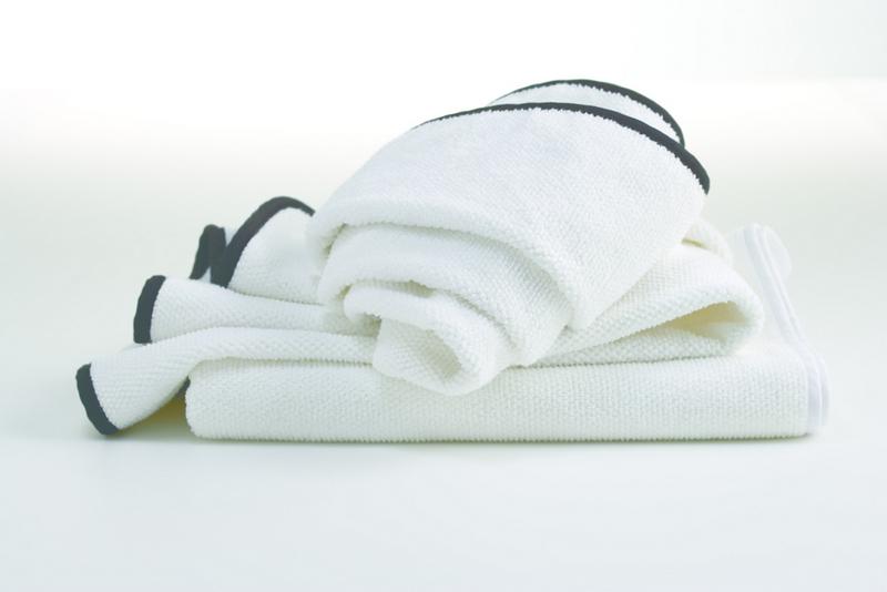Hotel Luxury Collection 39 Alesi 39 Bath Towel With Black Or Grey Border